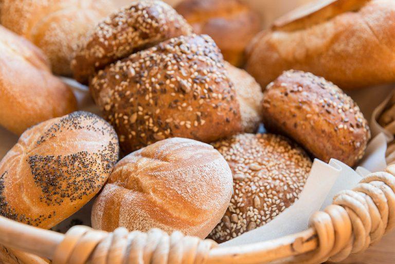 Semmeln Brot Frühstück Gasthaus Pension Brauner Hirsch Waller