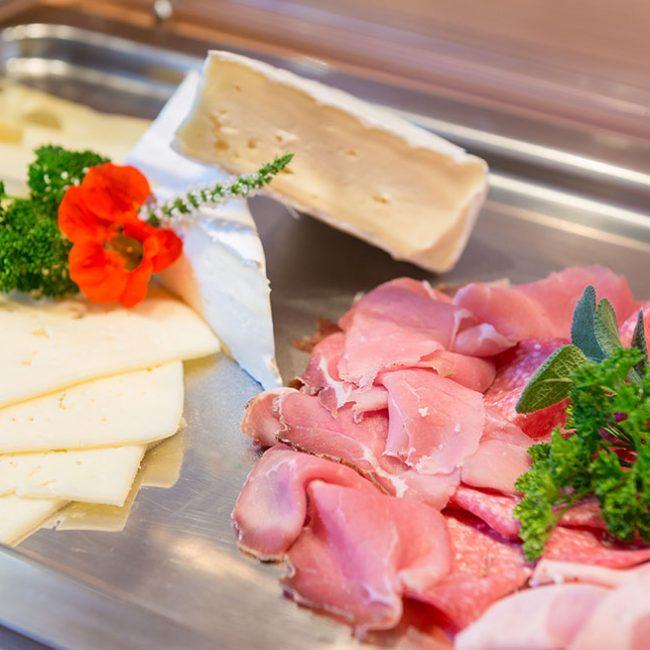 Schinken Käse Frühstück Gasthaus Pension Brauner Hirsch Waller