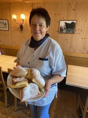 Küchle Rezept Gerlinde Gasthaus Pension Brauner Hirsch Waller